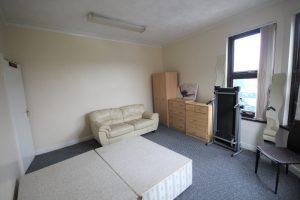 LS8 Properties for rent bedroom