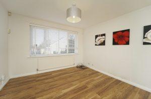 Property for rent in LS16: Holt Vale Leeds lounge
